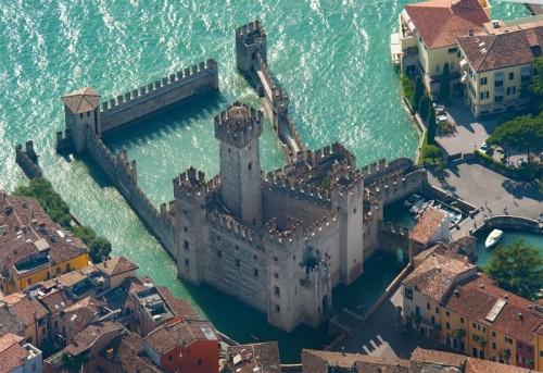 Risultati immagini per castello di sirmione