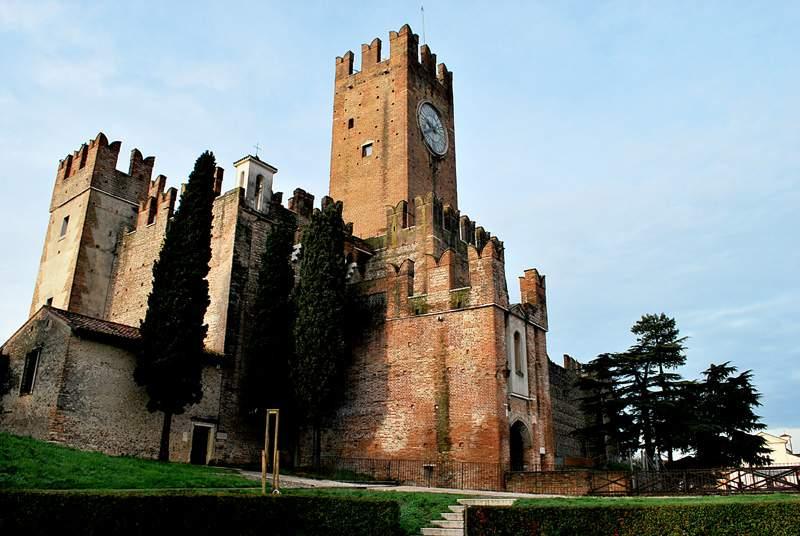 castello_di_villafranca_15_